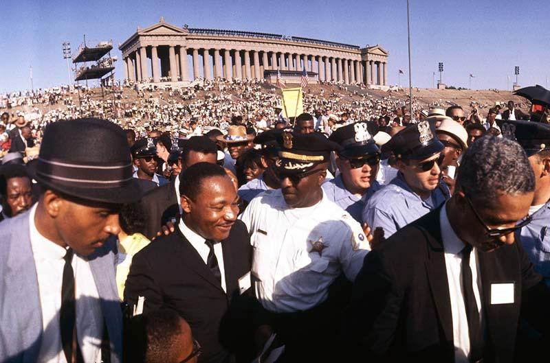 MLK-KingAtSoldierField1966WEBArtShay